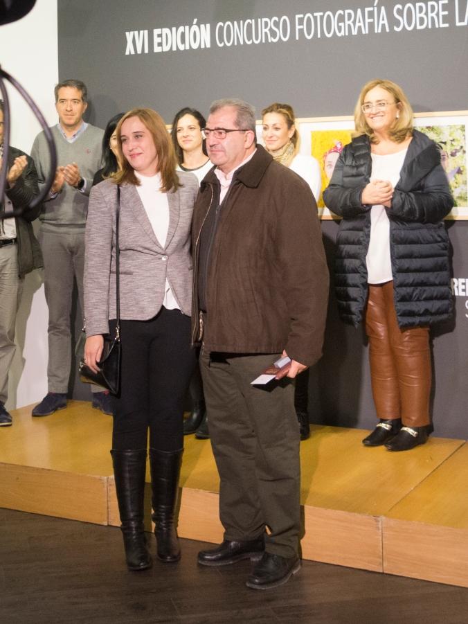 Entega de premios del concurso de fotografia sobre la cuchillería